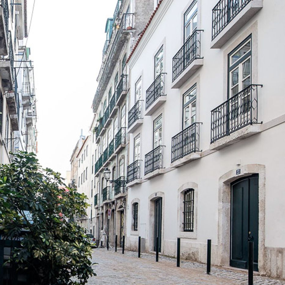 Housing Building - R. das Canastras, Lisbon