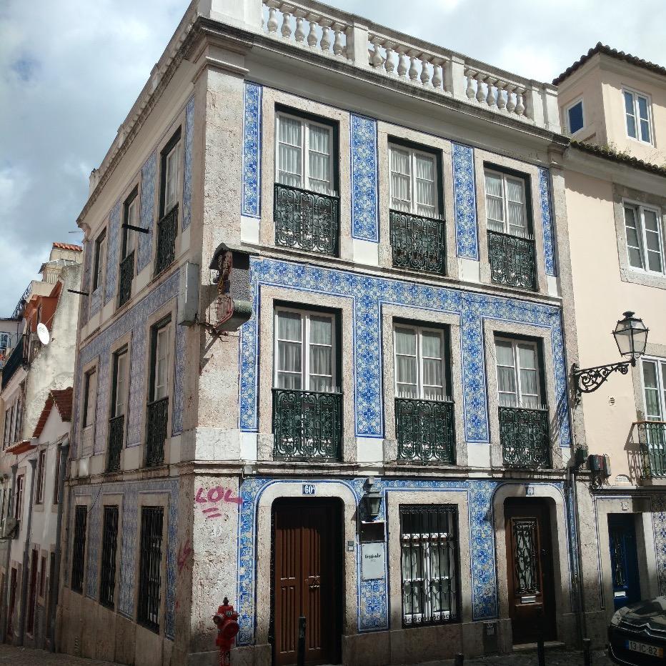 Housing and Commercial Building - Rua da Barroca, Lisbon